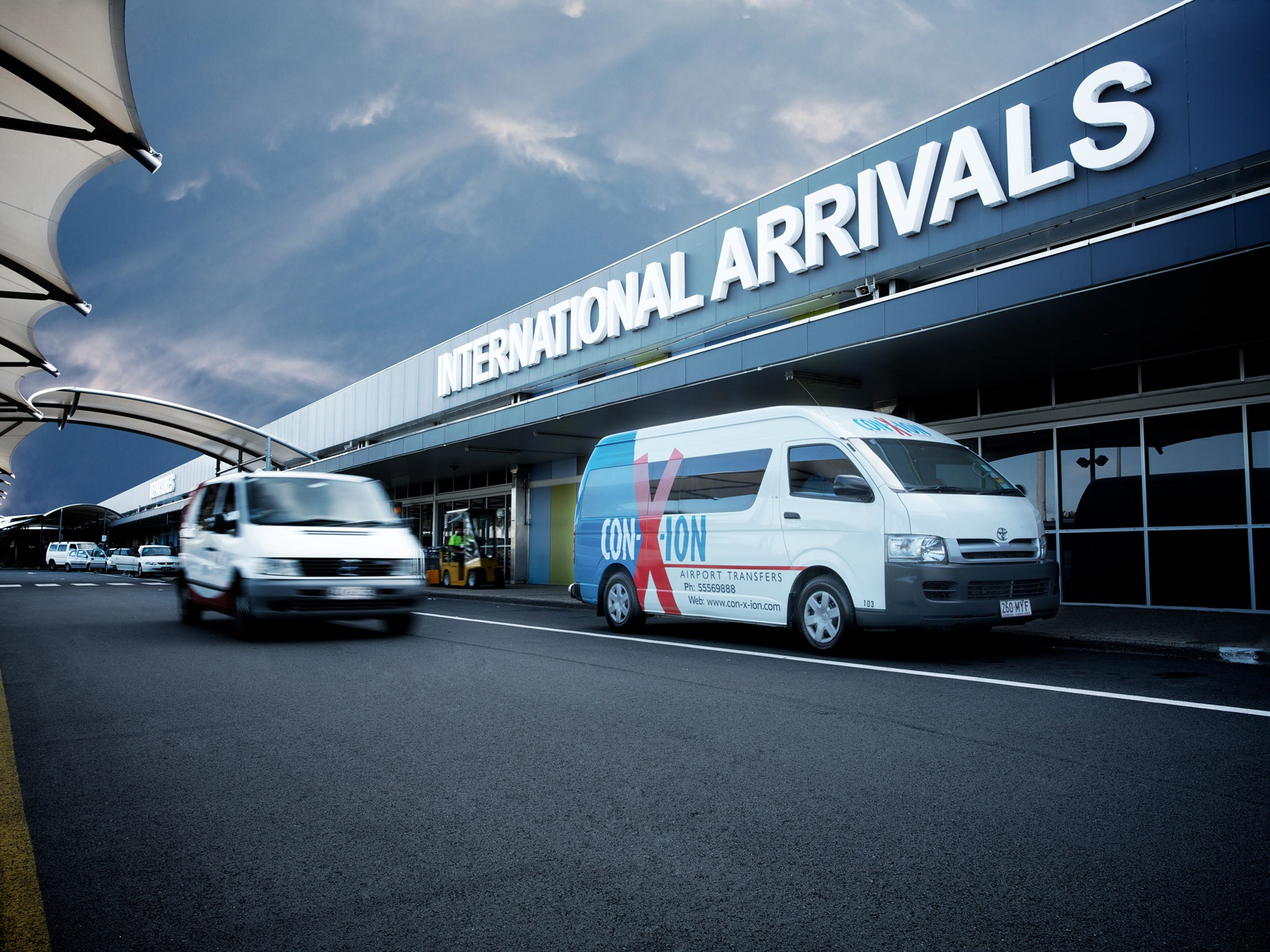 picture of Gold Coast Airport Shuttle Bus - One Way Transfer